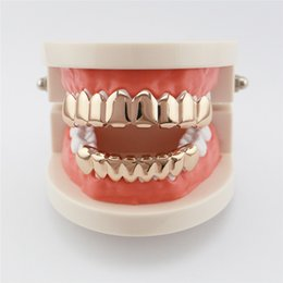 $enCountryForm.capitalKeyWord Canada - Gold Grillz 8 Top Teeth Bottom Tooth Plain Hip Hop Grills Cool Gold-plated Teeth Costume Accessories Christmas Halloween Toys New Arrive