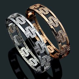 $enCountryForm.capitalKeyWord NZ - Titanium steel jewelry B letter hollow back shape full diamond bracelet Women's back word diamond bracelet