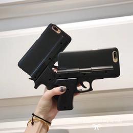 Venta al por mayor de Cubierta rígida de la caja de Shell del teléfono de la forma del arma 3D para el iPhone 5S 6 6S 7 8 más X XS XR MAX