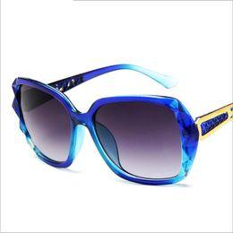 Luxury Sun Glasses Brand Designer Ladies Oversized Crystal Sunglasses New  Square Women Big Frame Glass Sun Glasses for Female UV400 a7b823d65