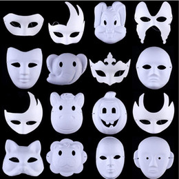Painting Faces Australia - Halloween Ball White Hand Painted DIY Face Mask Environmental Protection Pulp Men Women Animal Masks DDA764 Cartoon Accessories