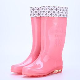 Quattro stagioni stivali da pioggia femminile trasparente caramelle moda  anti-femmina stivali da pioggia alto 0eed698a985