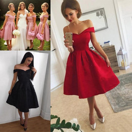 3f4bc97d6d1 Knee Length Ruffles Short Bridesmaids Dresses For Juniors A Line Off  Shoulder Lady Women Short Party Cocktail Prom Gowns