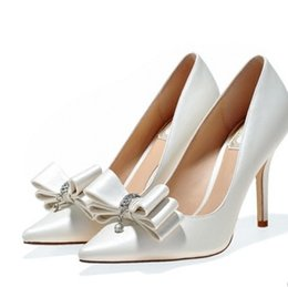 2379de670fb White Wedding Short Heel Shoes UK - Spring and summer white bow high-heeled  high