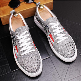 $enCountryForm.capitalKeyWord Canada - 2018 New style Luxury silver Graffiti Sequins Sneakers Red black Rivets Bottom Lace-up Mens shoes Glitter Blingbling Casual Shoes J99