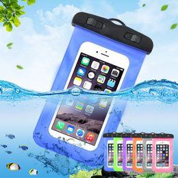 ba7b396cc1e Teléfono celular universal Fundas impermeables Bolsa Bolsa de playa a  prueba de agua para IphoneX Samsung s9 s8 Iphone 8 7 Plus Teléfono  inteligente Bolsa ...