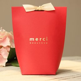 $enCountryForm.capitalKeyWord NZ - 10pcs lot Christmas Present Box Hot Red Merci Candy box With Ribbon Big Size Wedding Birthday Party Favor Gift Box