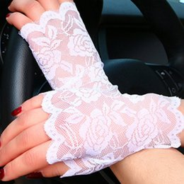 $enCountryForm.capitalKeyWord Australia - Spring Summer Women Lace Mesh Driving Fishnet Gloves Lady Half-finger Gloves Chic Flower Party Etiquette Fingerless