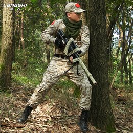 China EMERSONGEAR Training Clothing Combat Shirt Pants with Elbow Knee Pads Multicam Camouflage Suit Hunting Uniform EM2725 supplier multicam uniforms suppliers