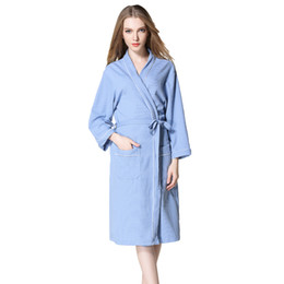 2018 New Men summer Suck Sweat Kimono Bath Robe Women Spa Waffle Bathrobe  Lounge Robes Sleepwear Soft Belt Home Hotel Robes f6cf876f3