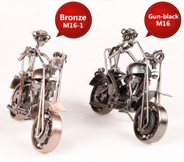 China Newest Design American Style Iron Art Metal Craft Motorcycle Model Toy Motorbike Models Toys Home Decoration Accessories Souvenir Gift suppliers