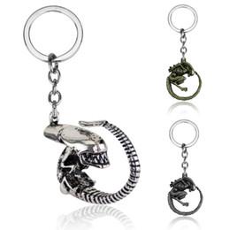 $enCountryForm.capitalKeyWord NZ - Movie Aliens  Key chain Alien llaveros metal bronze silver car KeyChains figure trinket Men Jewelry Souvenir