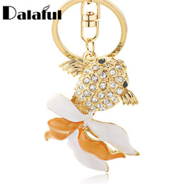 Chinese  New Fashion Unique Fish Keychains Crystal Trinket Key Ring Chains Holder Bag Buckle Pendant Metal Keyrings For Car K303 manufacturers