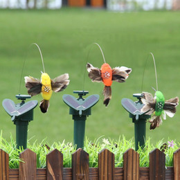 plastic hummingbird toy Canada - Plastic Simulation Solar Energy Bird Vivid Fly Fluttering Hummingbird Toys For Garden Yard Decorations Factory Direct Sale 9lla BB