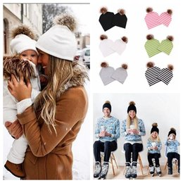 beanie baby balls 2019 - Family Matching Cap Striped Beanies With Fur Ball Cotton Warm Hats Parent Child Hats Baby Skullcap Winter Warm Caps Fash
