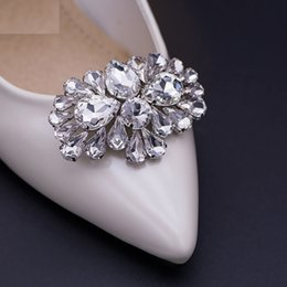 1 Pair Stylish Rhinestone Decoration for Bridal Wedding Shoes Detachable  White High-end Accessories For Women s Shoes 0cb0b1045238