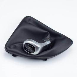 Für BMW 1 3 5 6 Series E84 E85 E87 E88 E90 E91 E92 E93 Z3 X1 5/6 Geschwindigkeit Schalthebel Leder Schaltknauf Perforierte Boot-Abdeckung im Angebot