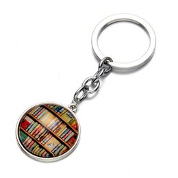 $enCountryForm.capitalKeyWord NZ - Library Book Keychain Vintage Style Old Books Key Chain Librarians Key Ring Gift for Students Teachers Graduation Gifts