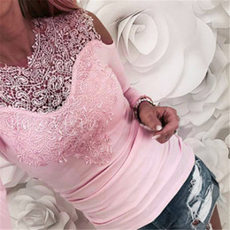 $enCountryForm.capitalKeyWord NZ - Sweet Lace T Shirt Women Off The Shoulder Pink Slim Fit Tees Ladies O-Neck Autumn Casual Elegant Tops T-Shirts Women Clothes