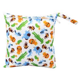12ce192fecb31 Pantalones de orina de una sola capa del bolso de almacenamiento del pañal  del bebé nuevos colores niños sola cremallera del pañal del bolso del carro  de ...