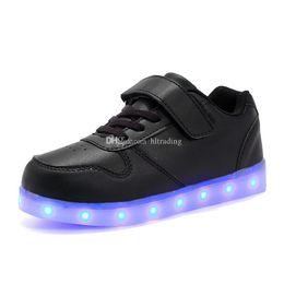 35a0a9b1b Crianças Sapatos LED Para Crianças Casuais 8 cores Sapatos Luminescência  Colorido Brilhante Bebê Meninos Meninas Sapatilhas de Carregamento USB  Acender ...
