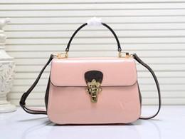 a6a629a1a58f4 NEUE Umhängetasche Umhängetasche Handtaschen Leder Tote rot schwarz rosa  weiß hochwertige Leder Geldbörsen Boutique Taschen Einkaufstasche