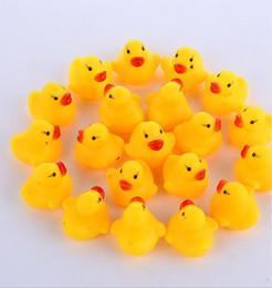 Vente en gros 100 pcs / lot En Gros mini Caoutchouc bain canard Pvc canard avec son Canard Flottant livraison Rapide Plage de Nage