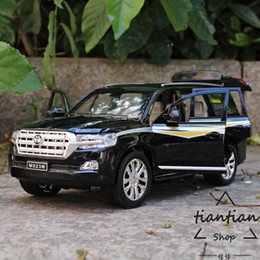 Chinese  kids toys 1:24 simulation Toyota Cool Road Diecast Car model SUV Collection decoration 6 open the door Gifts that children like manufacturers