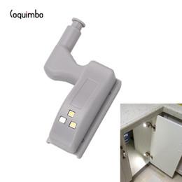 Capteur Coquimbo intérieur de la charnière LED sous les lumières du cabinet pour la chambre à coucher de la cuisine garde-robe pendante de nuit à piles en Solde