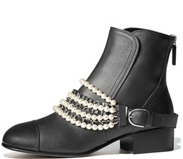 China Women winter Genuine Leather Short boots Classic Luxury Pearl chain Zipper Tweed velvet original fashion brand Sexy Simple Classic boots cheap sexy winter ankle boots suppliers