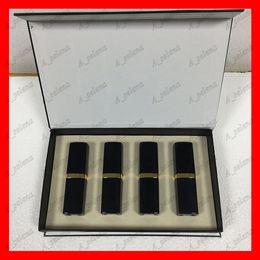 Toptan satış Popüler marka Dudak Makyajı Mat ruj 4 renk Dudaklar kozmetik siyah tüp mat ruj 4pcs / set iyi fiyat yüksek kalite