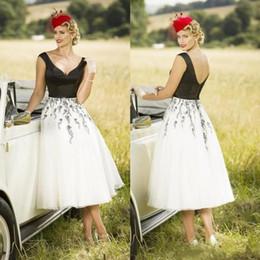 Discount classic tea length mother bride dresses - Classic White and Black Tea Length Mother Of The Bride Dresses 2018 Short Lace Appliqued Wedding Guest Dress Cheap Eveni