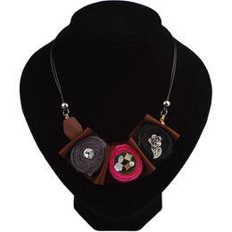$enCountryForm.capitalKeyWord UK - whole saleWomen Ethnic Necklace Cloth Flower Design Female Handmade Necklace Vintage Jewelry Accessories Friends Fashion Jewellery 4 Color