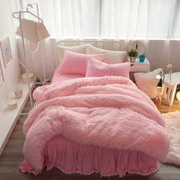Discount velvet bedding sets - Winter Style Super Warm Soft Winter Thickening Plush Bedding sets Crystal velvet Quilted Bedsheet with Ball Tassels Bed