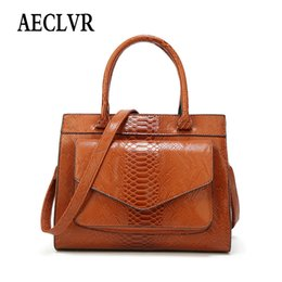 $enCountryForm.capitalKeyWord NZ - AECLVR Solid Color Serpentine Shoulder Bag For Women Simple Style Elegant Ladies Fashion Satchels Fashion All-Match Handbags