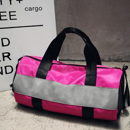 striped beach bags wholesale 2020 - Sport Bags For Women Luxury Handbags Pink Letter Large Capacity Travel Duffle Striped Waterproof Beach Bagon Shoulder fo
