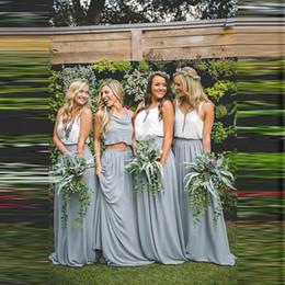 Venta al por mayor de Venta caliente dos piezas de gasa vestidos de dama de honor acanalada sin mangas estilo rural una línea vestidos de dama de honor boda de playa