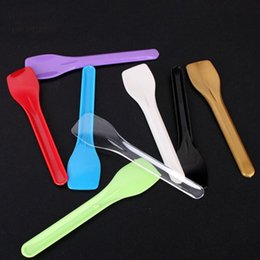 $enCountryForm.capitalKeyWord NZ - 100pcs  Lot Disposable Plastic Spoons Ice Cream Spoon For Party Birthday Separate Packaged Cake Dessert