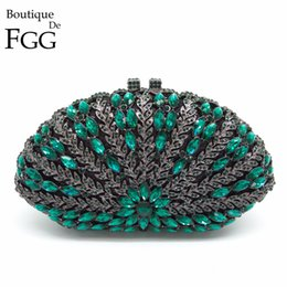 clutch bag party green NZ - Boutique De FGG Hollow Out Floral Women Green Emerald Diamond Evening Handbags Purses Ladies Party Crystal Clutch Wedding Bag Y18103004