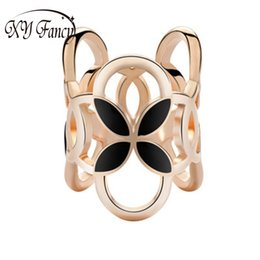 $enCountryForm.capitalKeyWord UK - XY Fancy New Arrival Vintage Brooch Three Scarf Clip Four-leaf Clover Shawl Buckle Brooch Pin for Women Accessories zk25