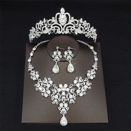 cheap crowns tiaras Canada - 2018 Cheap Drop Rhinestone Wedding Jewelry Set Necklace Crown Tiaras Crown Earrings Headwear Beading Three Piece Party Bridal Accessories