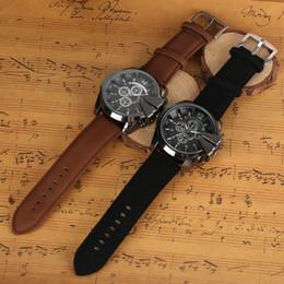 Speed S NZ - Fashion Men 's Quartz Wristwatch Super Speed Luxury Business Leather Band Black   Brown for Boy Birthday Anniversary Party Gifts