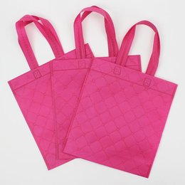 $enCountryForm.capitalKeyWord NZ - 50pcs lot-27.5x25+8cm Embossed non woven tote bags plastic gift bags with handles wedding plastic take out bag