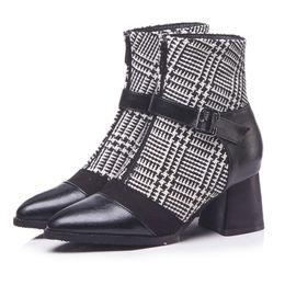 0dd72a13 Tamaño 33-43 Mujer de moda de invierno zapatos de talla grande Mujer  Patchwork Botines Señora Zips Zapatos de vestir Mujeres punta de los pies