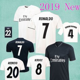 Real Madrid 2019 Soccer Jersey RONALDO BENZEMA SERGIO RAMOS MORATA ISCO  ASENSIO Player Version Jersey Soccer Uniforms 2018 Champions League c3294d822
