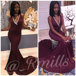 sexy halter dress for girls 2019 - Arabic Mermaid 2018 Evening Dresses For Black Girl Crystals V Neck Halter Backless Burgundy Satin Long Prom Dress Gowns