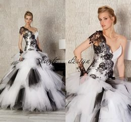 $enCountryForm.capitalKeyWord NZ - Black and White Gothic Wedding Dresses Ruffles Ball Gown Tulle Sweetheart Short Sleeve Lace 2018 Custom Made Vintage Plus Size Bridal Gowns
