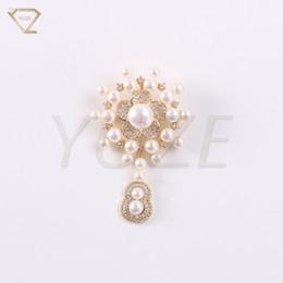 Pearl Bridal Jewellery Australia - Manufacturer fashion charm gold flower Custom bridal jewellery wedding accessories charm pearl pendant brooch,gold plated jewelry