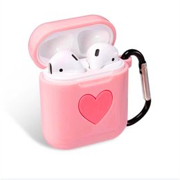 China New Arrival Love Silicone Protective Case For Apple Airpods iPhone 7 Twins True Wireless Headset Anti-drop Silicone Airpods Charging Bag supplier case iphone silicone white suppliers