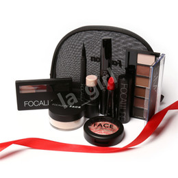 $enCountryForm.capitalKeyWord NZ - FOCALLURE 8Pcs set Fascinating Makeup Kit Portable Beauty Daily Use Cosmetics Make Up Girlfriend Gift Free Shipping